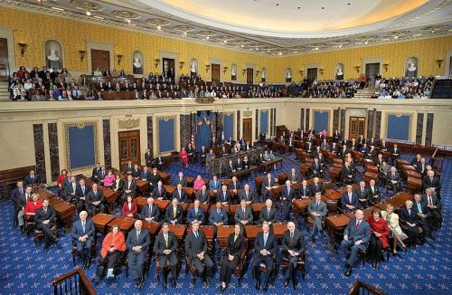 800px-111th_US_Senate_class_photo